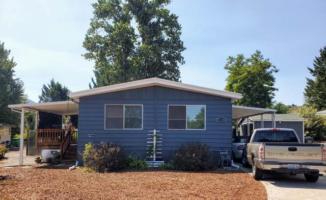 1974 Parkdale Drive, Grants Pass, OR 97527 (MLS #220128121) :: Coldwell Banker Sun Country Realty, Inc.