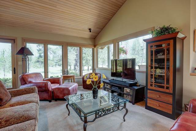 57722 Yellow Pine Lane, Sunriver, OR 97707 (MLS #220128128) :: Bend Relo at Fred Real Estate Group