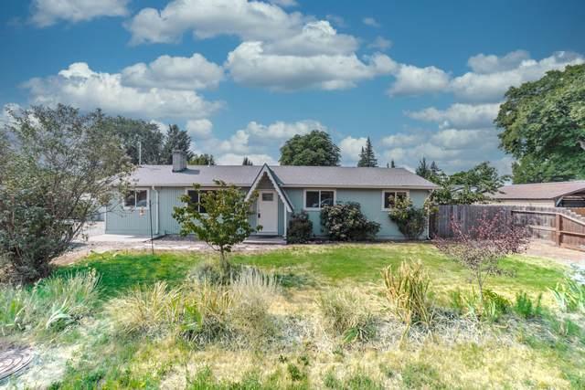 108 Mace Road, Medford, OR 97501 (MLS #220128131) :: Bend Homes Now