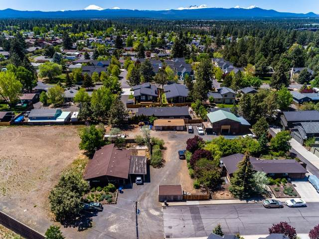 61391 Merriewood Court, Bend, OR 97702 (MLS #220128144) :: The Bifano Home Team