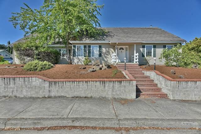 2505 Huntington Lane, Medford, OR 97504 (MLS #220128158) :: Bend Homes Now