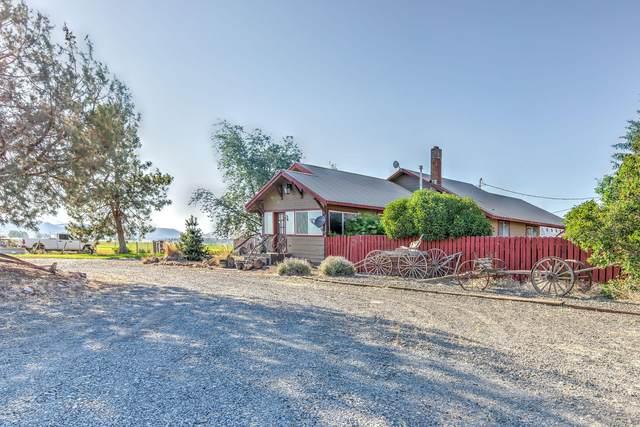4933 NW Gerke Road, Prineville, OR 97754 (MLS #220128159) :: Bend Homes Now