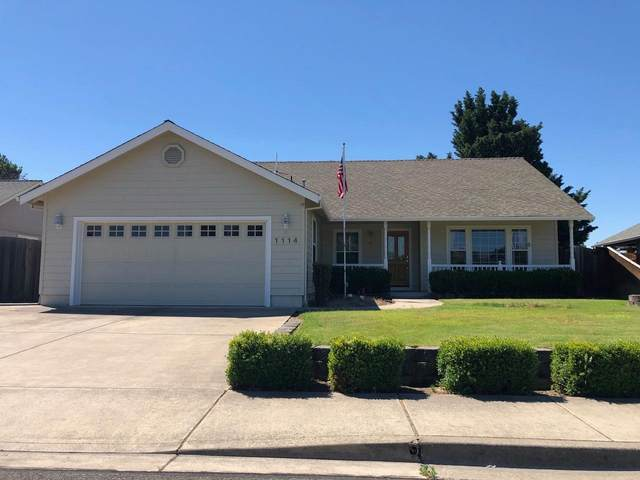 1114 Gatepark Drive, Central Point, OR 97502 (MLS #220128170) :: Premiere Property Group, LLC