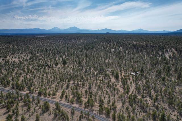 70633 Holmes Road, Sisters, OR 97759 (MLS #220128203) :: The Ladd Group