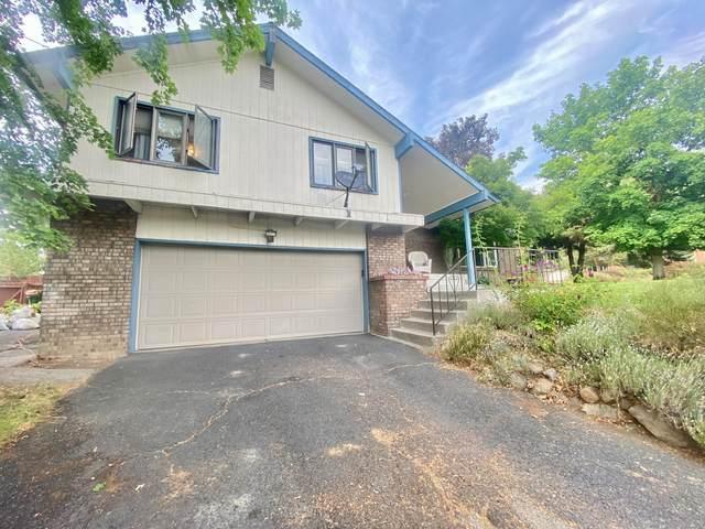 1989 Euclid Avenue, Klamath Falls, OR 97601 (MLS #220128209) :: Premiere Property Group, LLC