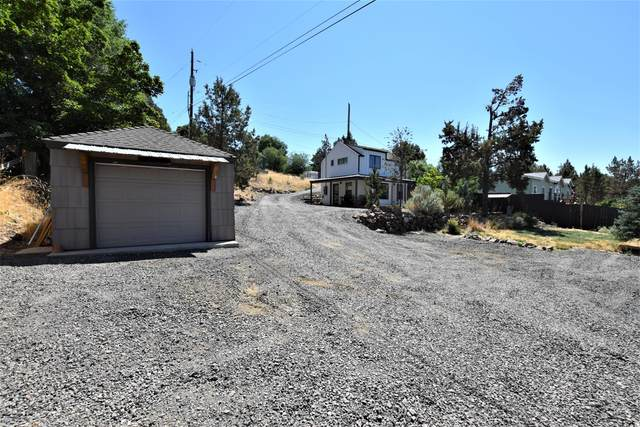 8540 2nd Street, Terrebonne, OR 97760 (MLS #220128260) :: Coldwell Banker Sun Country Realty, Inc.
