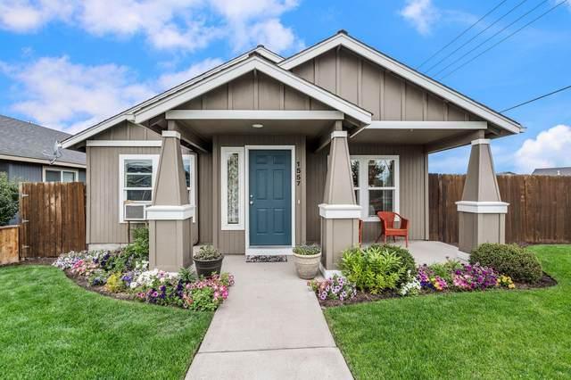 1557 NE 5th Street, Redmond, OR 97756 (MLS #220128282) :: Bend Homes Now