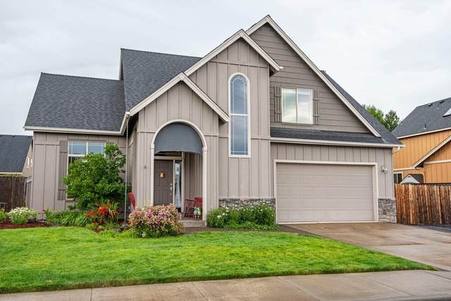 2954 NW Canyon Drive, Redmond, OR 97756 (MLS #220128287) :: Coldwell Banker Bain
