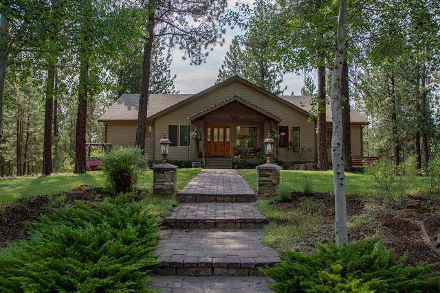 17061 Cooper Drive, Bend, OR 97707 (MLS #220128295) :: The Bifano Home Team