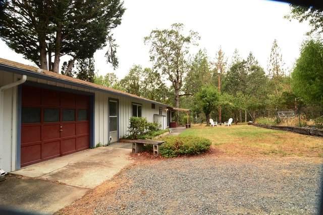 10047 E Evans Creek Road, Rogue River, OR 97537 (MLS #220128318) :: Central Oregon Home Pros