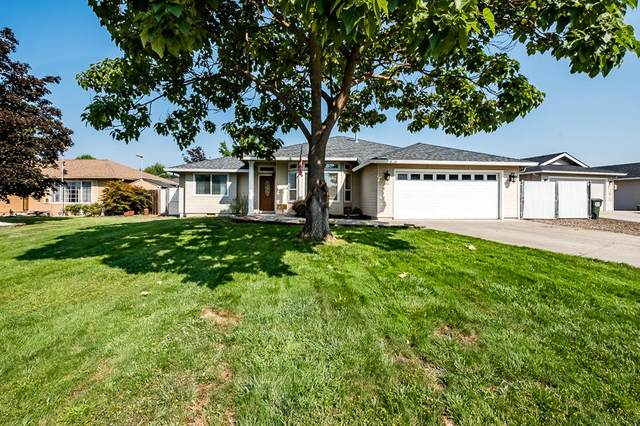 409 Montclair Way, Eagle Point, OR 97524 (MLS #220128397) :: Premiere Property Group, LLC