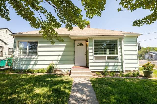 2257 Vine Avenue, Klamath Falls, OR 97601 (MLS #220128407) :: Premiere Property Group, LLC