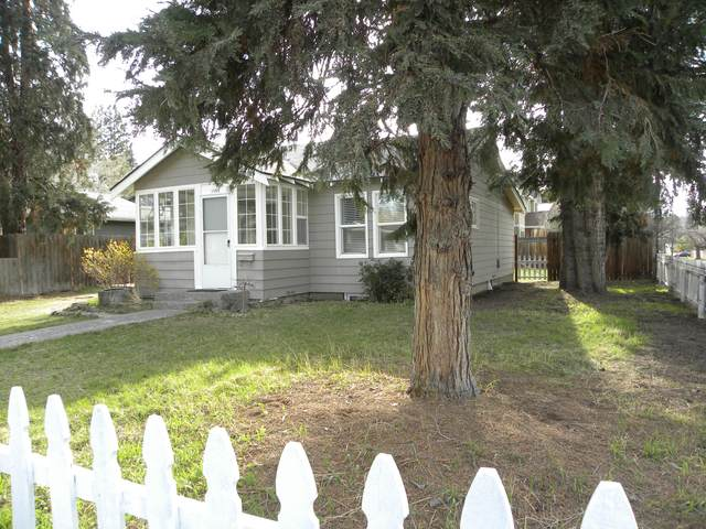 1585 NW 1st Street, Bend, OR 97703 (MLS #220128409) :: Premiere Property Group, LLC