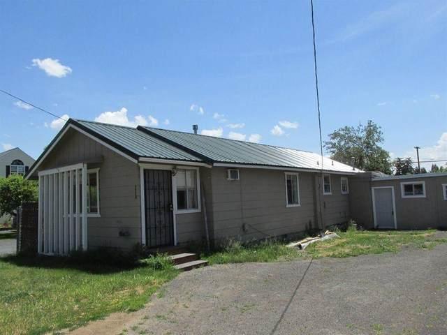 2220 Garden Avenue, Klamath Falls, OR 97601 (MLS #220128420) :: Premiere Property Group, LLC