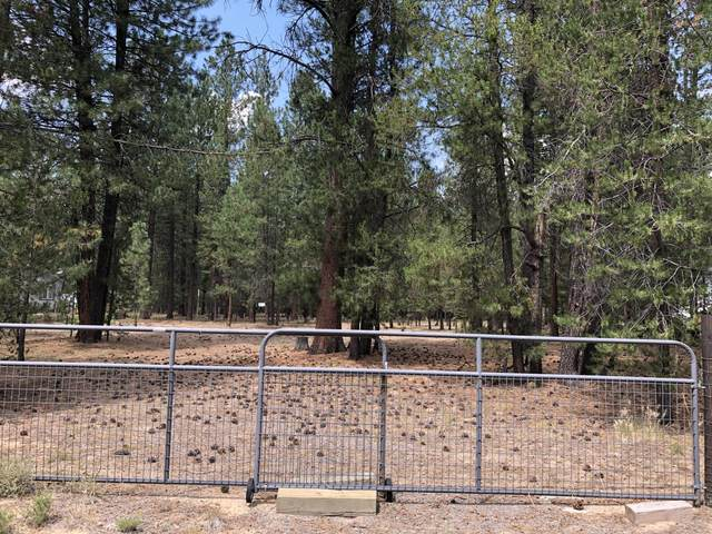 15864 Twin Drive, La Pine, OR 97739 (MLS #220128439) :: Bend Relo at Fred Real Estate Group