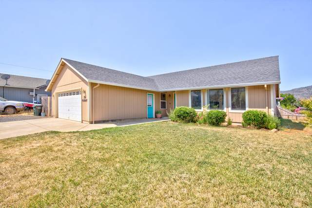 322 Gamay Drive, Cave Junction, OR 97523 (MLS #220128452) :: Premiere Property Group, LLC