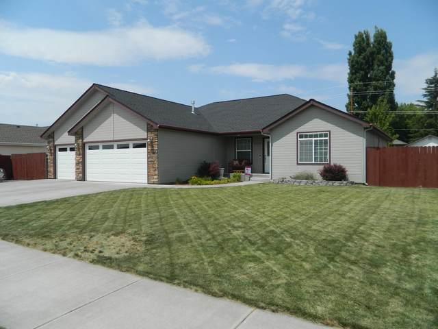 5139 Briana Drive, Klamath Falls, OR 97603 (MLS #220128478) :: Coldwell Banker Bain