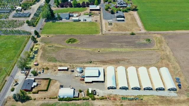 2982 Taylor Road, Central Point, OR 97502 (MLS #220128482) :: Vianet Realty