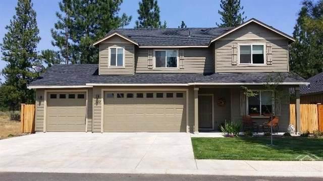 1690 W Williamson Avenue, Sisters, OR 97759 (MLS #220128509) :: Vianet Realty