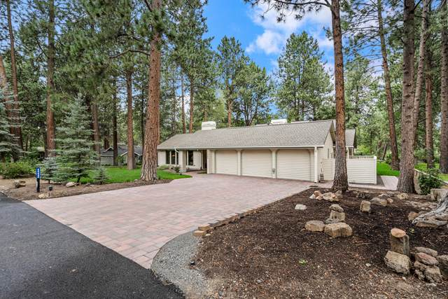 60640 Thunderbird Court, Bend, OR 97702 (MLS #220128542) :: The Ladd Group