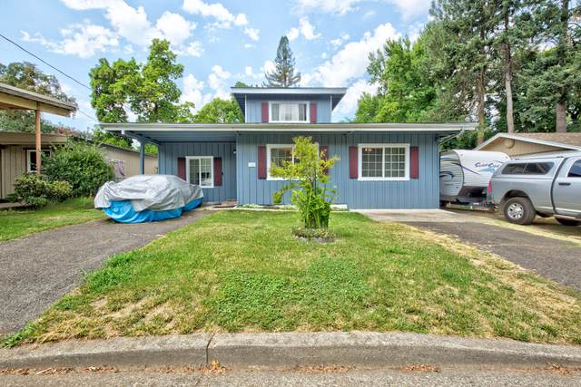 1210 Plummer Avenue, Grants Pass, OR 97527 (MLS #220128570) :: Central Oregon Home Pros