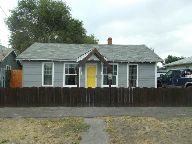 2245 Radcliffe Avenue, Klamath Falls, OR 97601 (MLS #220128579) :: Arends Realty Group