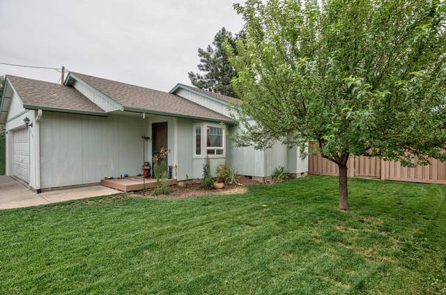 61104 Parrell Road, Bend, OR 97702 (MLS #220128594) :: The Ladd Group