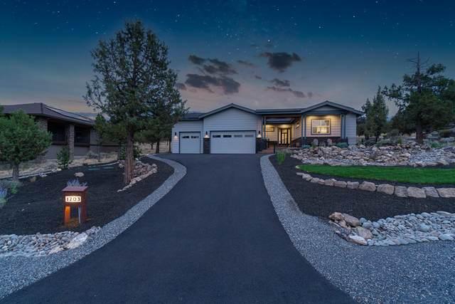 1203 Highland View Loop, Redmond, OR 97756 (MLS #220128597) :: Team Birtola | High Desert Realty