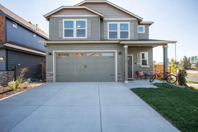 1629 Bronte Circle, Medford, OR 97504 (MLS #220128601) :: Keller Williams Realty Central Oregon