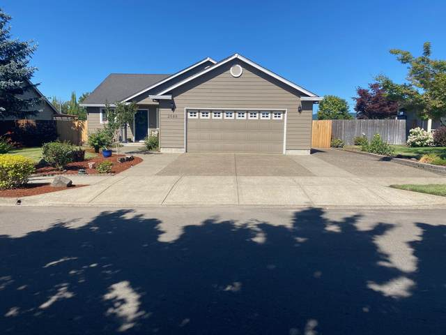 2689 NW Riesling Way, McMinnville, OR 97128 (MLS #220128626) :: Schaake Capital Group