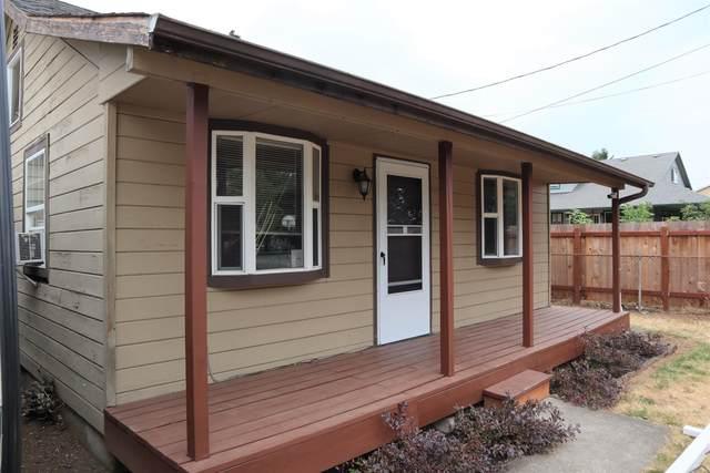 8433 SE 67th Avenue, Portland, OR 97206 (MLS #220128641) :: Vianet Realty