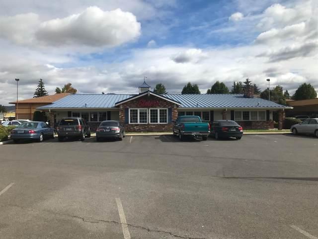 2000 Biddle Road, Medford, OR 97504 (MLS #220128643) :: Vianet Realty