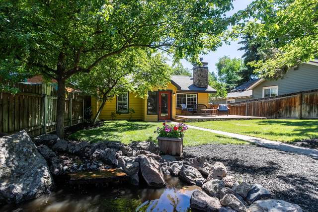 1105 NW Cumberland Avenue, Bend, OR 97703 (MLS #220128644) :: Bend Relo at Fred Real Estate Group