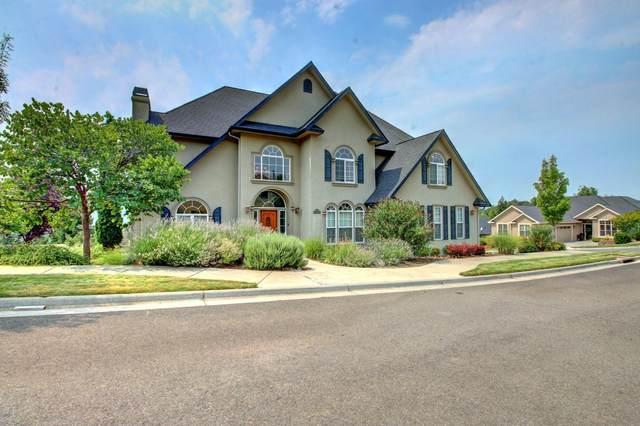 4300 Evening Ridge Terrace, Medford, OR 97504 (MLS #220128654) :: Vianet Realty