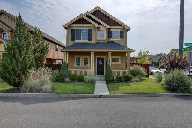 1290 NE Carson Street, Prineville, OR 97754 (MLS #220128694) :: Vianet Realty