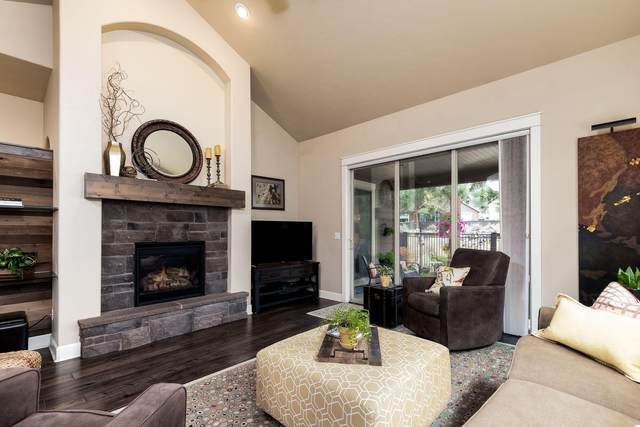 60200 Rolled Rock Way, Bend, OR 97702 (MLS #220128706) :: The Ladd Group
