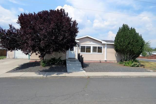 5469 Summerfield Way #48, Klamath Falls, OR 97603 (MLS #220128715) :: The Ladd Group