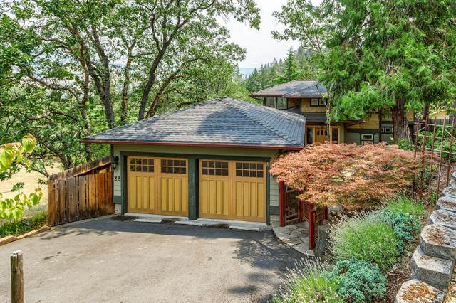 22 Scenic Drive, Ashland, OR 97520 (MLS #220128717) :: The Riley Group
