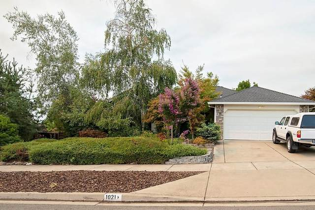 1021 Callaway Drive, Medford, OR 97504 (MLS #220128723) :: Vianet Realty