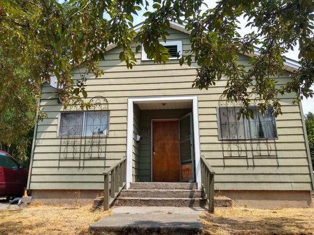 400 SW J Street, Grants Pass, OR 97526 (MLS #220128737) :: The Ladd Group