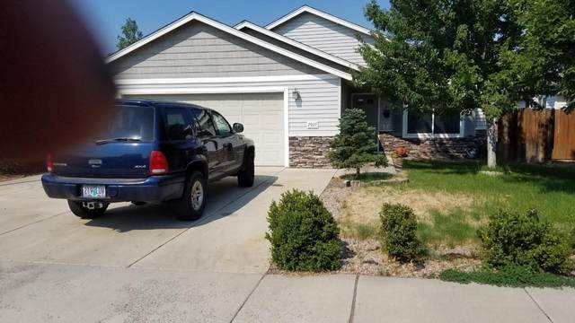 2927 NW 8th Street, Redmond, OR 97756 (MLS #220128745) :: The Ladd Group