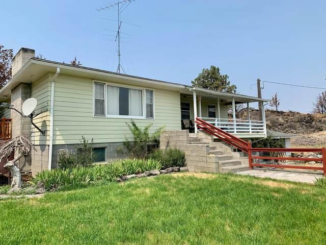 8877 County Rd 120, Tulelake, CA 96134 (MLS #220128766) :: Vianet Realty