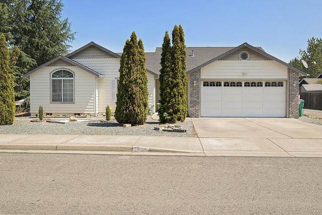 1635 W Harbeck Road, Grants Pass, OR 97527 (MLS #220128791) :: FORD REAL ESTATE