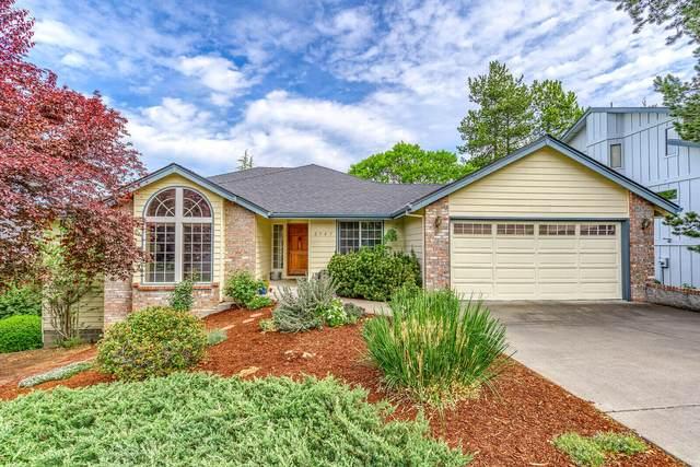 2547 Heritage Way, Medford, OR 97504 (MLS #220128853) :: Keller Williams Realty Central Oregon