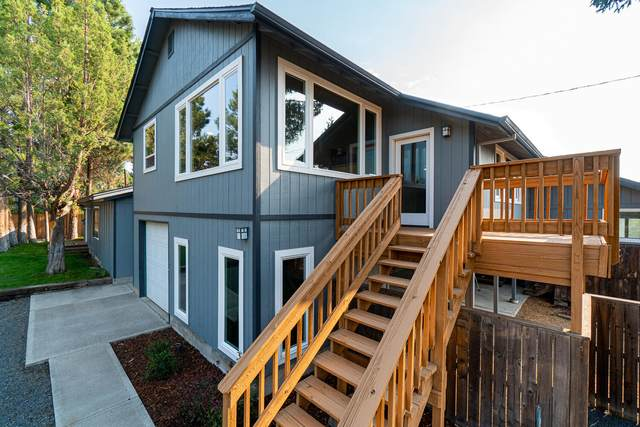 65072 92nd Street, Bend, OR 97701 (MLS #220128858) :: The Bifano Home Team