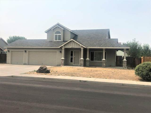 2109 NW 19th Place, Redmond, OR 97756 (MLS #220128865) :: Keller Williams Realty Central Oregon