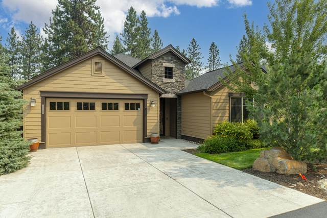 20126 Stonegate Drive, Bend, OR 97702 (MLS #220128938) :: The Riley Group
