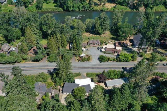 2519 Rogue River Highway, Grants Pass, OR 97527 (MLS #220128985) :: Schaake Capital Group