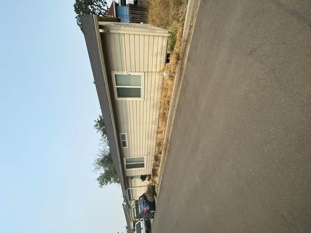 907 Narregan Street, Medford, OR 97501 (MLS #220129202) :: The Bifano Home Team