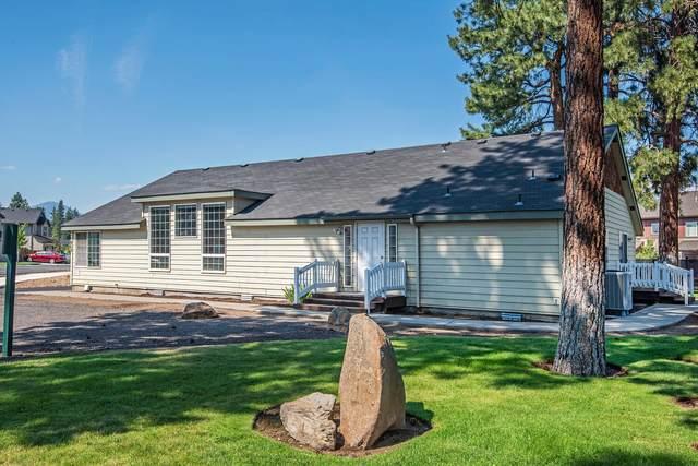 612 N Brooks Camp Road, Sisters, OR 97759 (MLS #220129299) :: The Riley Group